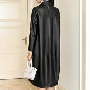 Image 3 - Jaqueta de couro preto topos marca feminina moda lazer solto casaco de pele carneiro primavera outono plus size longo couro genuíno trincheira