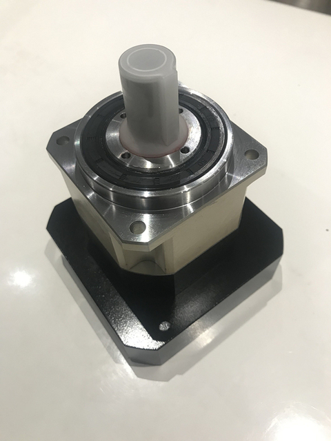 5 caixa de engrenagens do redutor planetário da engrenagem helicoidal da elevada precisão de acrmin 1 fase para o eixo de entrada do servo motor da c.a. do quadro de 110mm 19mm