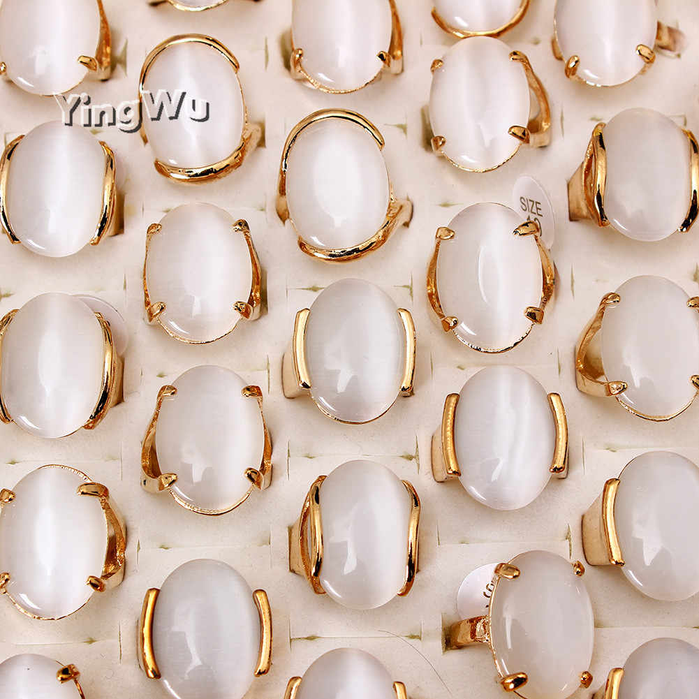 Yingwu ヴィンテージゴールドカラーリングホワイトオーバルオパールリング婚約指輪女性の結婚式猫目リング卸売