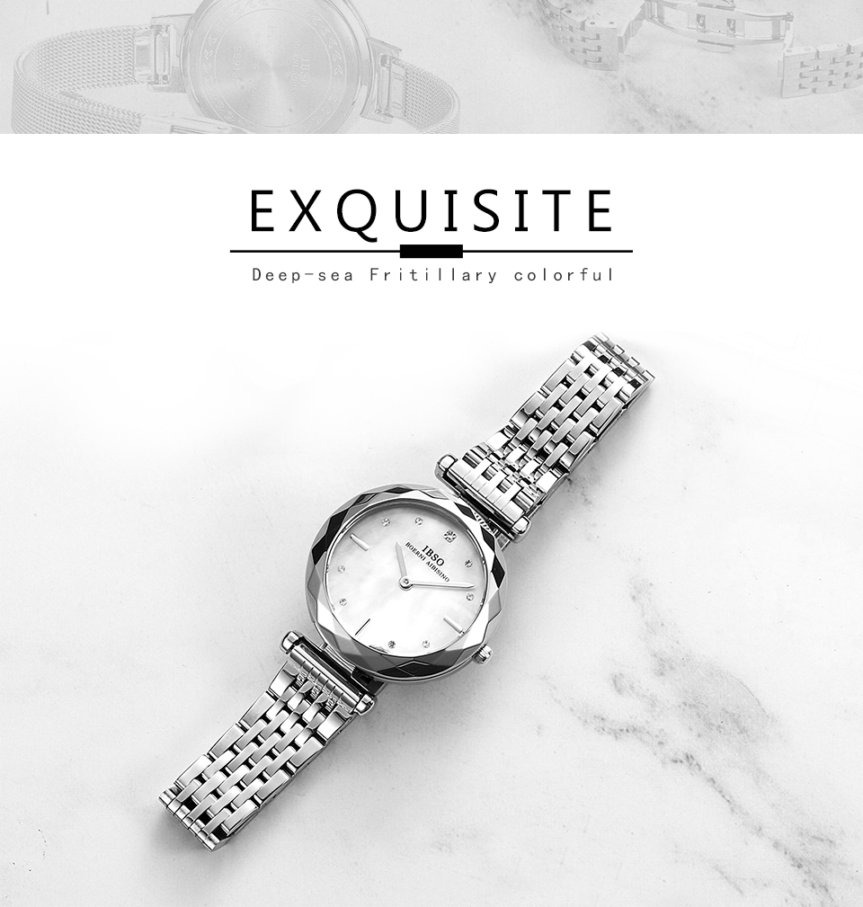 Montre-bracelet en acier inoxydable argenté de mode élégante