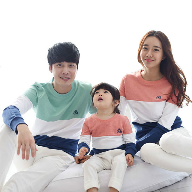 Korean Family Look Stripe Sweater Matching Long Sleeve Christmas Clothes Set Mom/Dad/Baby Outfits Kids Baby Girl Clothing