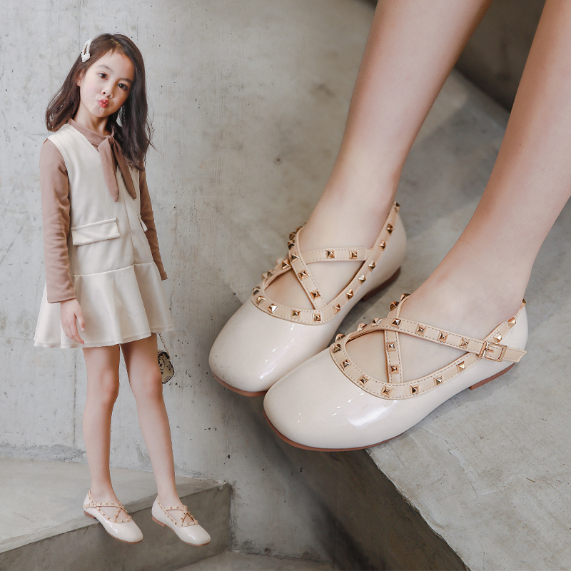 2020 Fashion Rivet Girls Single Shoes Spring Children's Shoes Soft Bottom Leather Shoes Patent Leather Shiny Princess Shoes