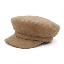 Jednolity kolor granatowe czapki dla kobiet jesień zima nowa moda wielbłąd i czarne wygodne Casual Vintage ciepłe czapki wojskowe damskie