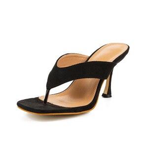 Image 4 - Pzilae chinelos femininos sólidos 2020 nova ladys verão chinelos chinelos chinelos de salto alto dedo do pé quadrado sólido preto chinelos feminino slides