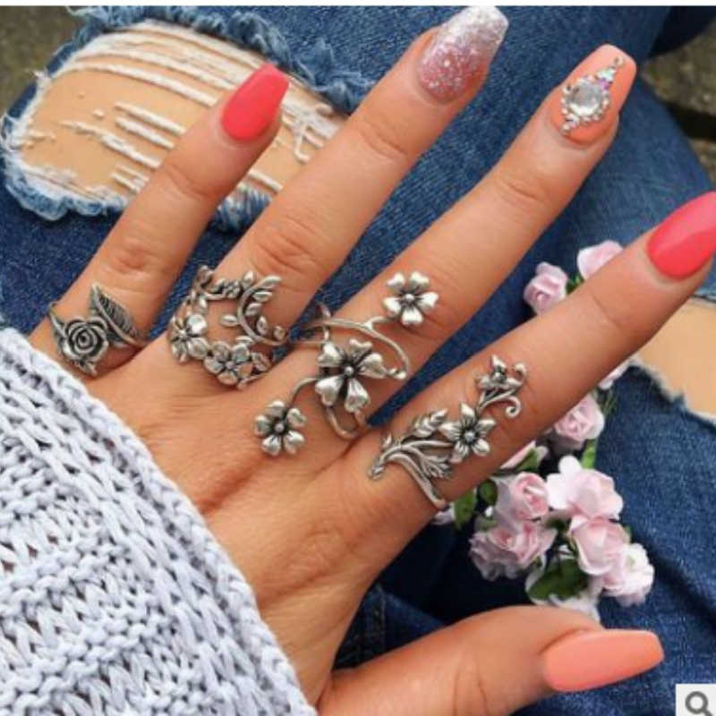 New Rings Fashion Vintage Hollow Flower Ring Sets Rings For Women Engagement Jewelry Ring Ring Set Wholesale