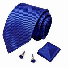 Мужской комплект из галстука носового платка и запонок