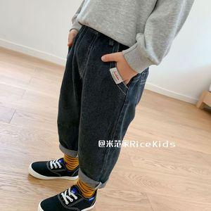 Детская одежда, джинсы для мальчиков, Новинка осени 2020, Модные свободные штаны для мальчиков, джинсы с карманами и ярлыком