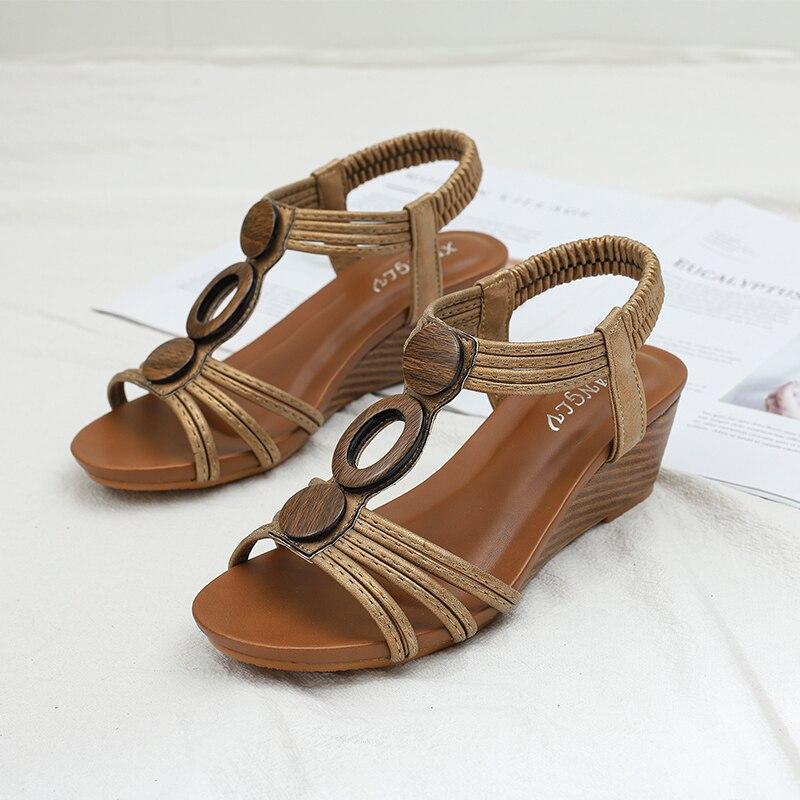 Сандалии женские на танкетке, мягкие кожаные босоножки с Т образным ремешком, дизайнерская обувь с деревянными пуговицами, летняя модель, большие размеры 36 42|Боссоножки и сандалии| | АлиЭкспресс