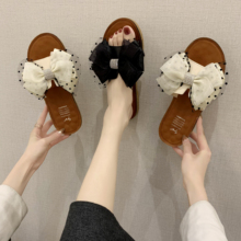 2020 Brand Women Slippers Fashion Ladies Sandals Flat Women Summer Beach Sandals Big Bow Cute Flip Flops Outdoor Flat Slipper 2020 woman flip flops summer shoes slippers cool beach rivets big bow flat sandals brand jelly shoes sandals girls big size 42