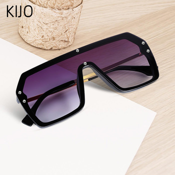 цена на Red Black Oversized Square Sunglasses Men New 2020 One Piece Lens Big Frame Sun glasses For Women UV400 Silver Mirror