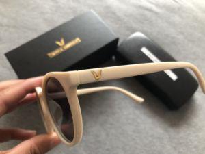 Image 2 - 2020 Fashion V Logo Gentle Sunglasses Women Small Frame Retro Designer Sun Glasses Lady Cute Vintage Sunglasses Original Package