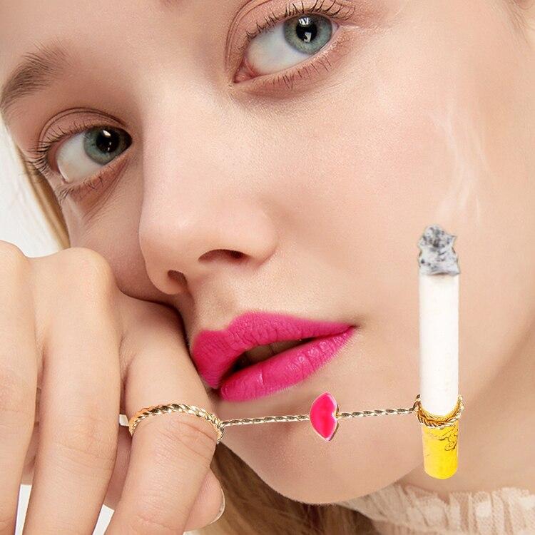 Купить с кэшбэком vintage Metal Ring Cigarette Holder Finger Cigarette Rack For Women's Slim Cigarette / Man's Regular Cigarette With gift box