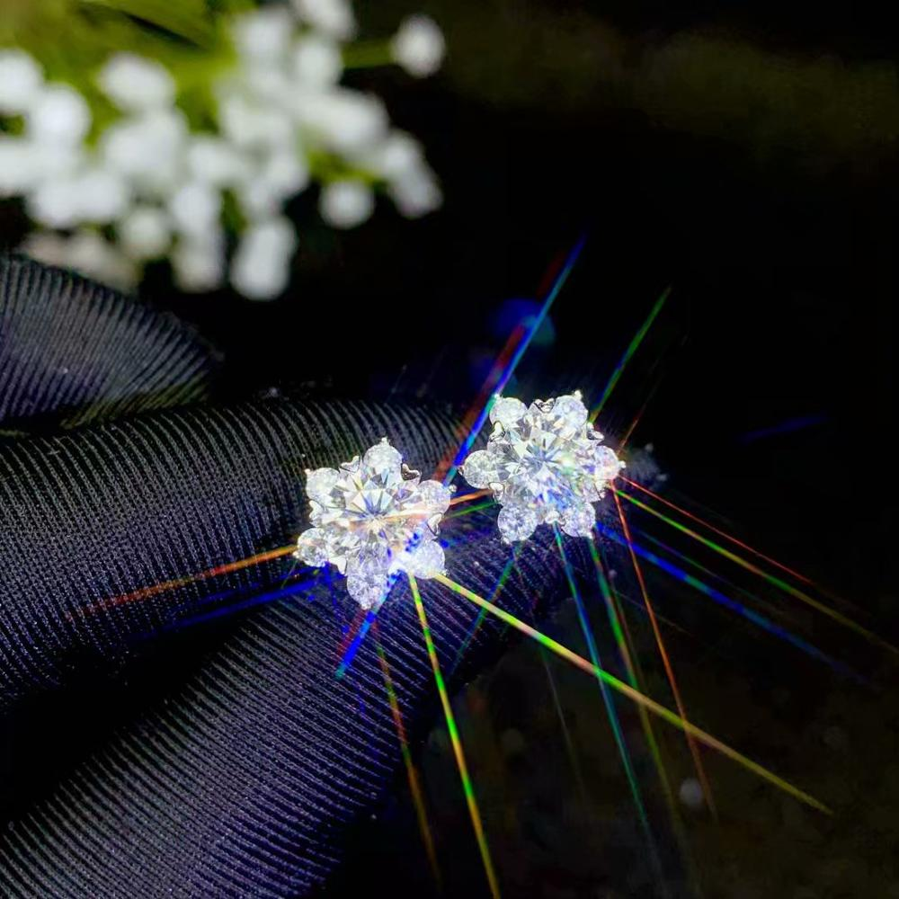 Moissanite 925 argent, style de fleur, vente chaude, couleur de pierre gemme est super bon, D. VVS1, propre. Point de mire du parti. Diamant Oreille