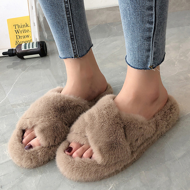 2020 Winter Women House Furry Slippers Fashion Faux Fur Warm Comfortable Women Flats Female Home Slides Black Plush Slippers