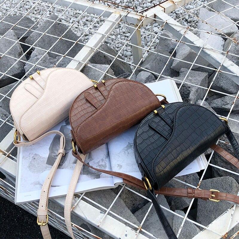 Crocodile Print Saddle Bag Alligator Pu Leather Bag Round Handbag Women Vintage Half Moon Bags 2019 New Ins Fashion Wholesale
