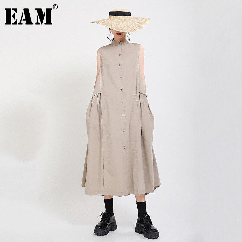 [EAM] Women Khaki Split Pleated Long Shirt Dress New Stand Collar Sleeveless Loose Fit Fashion Tide Spring Summer 2020 1Y353
