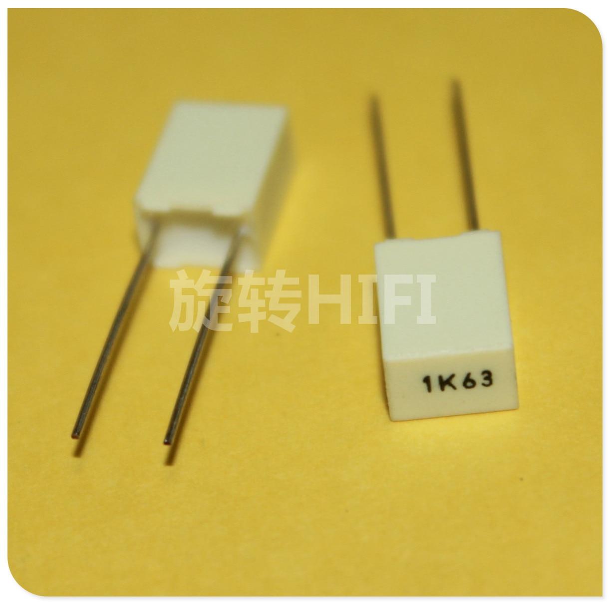 63V AVX BQ074D0105JDC 1uF Polyester Film Capacitor 5/% tolerance Radial 25pcs