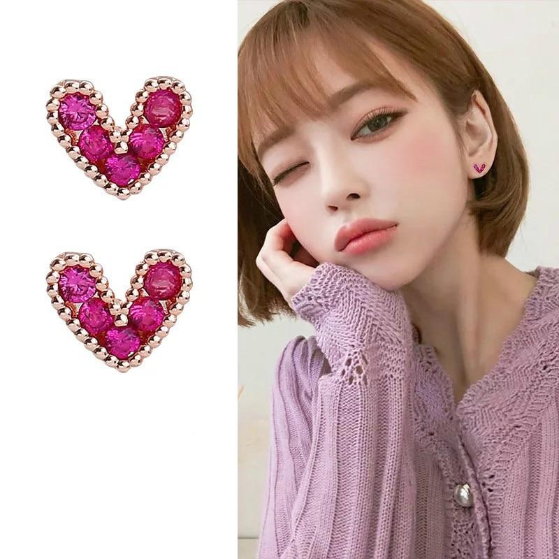 Punk 2019 Fashion New Earrings Crystal Love Heart Red Personality Simple Frosty Wind Small Earrings Women Wholesale Earrings