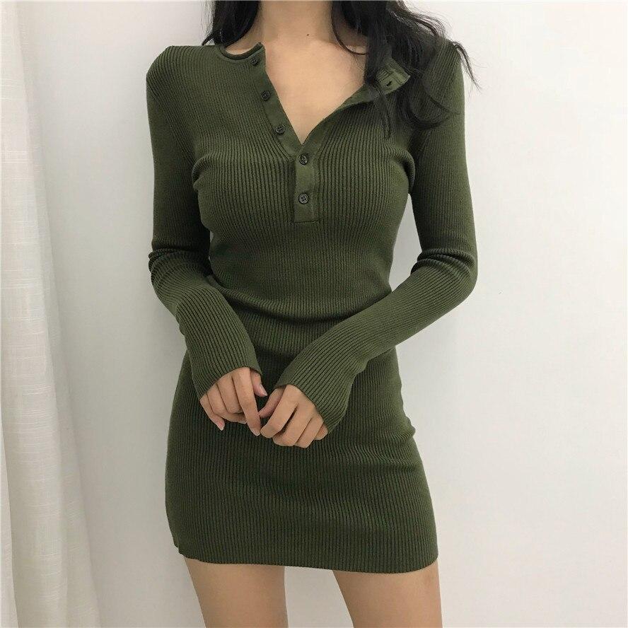 Женское трикотажное платье-мини с длинным рукавом