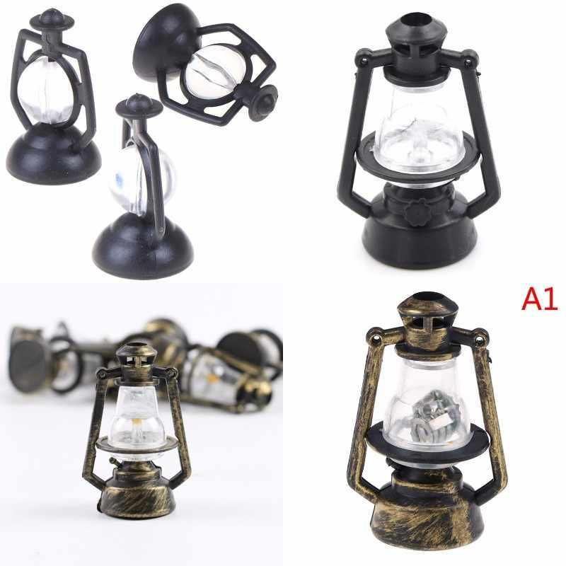 ドールハウスミニチュアドールハウスアクセサリー 1:12 ファッションミニチュアドールハウスオイルランプヴィンテージランプドールハウス照明 Accessori