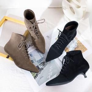 Image 1 - 2020 Herfst Winter Vrouwen Enkellaars Schoenen Solid Zwart Beige Lace Up Puntschoen Rubber Elegante Sexy Dunne Hoge hakken Vrouwen Laarzen