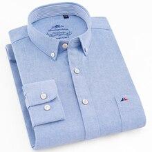 Mensลำลองมาตรฐาน Fit Oxfordเสื้อเดี่ยวกระเป๋าแพทช์แขนยาวหนาสบาย 100% ผ้าฝ้ายปุ่มลงเสื้อ
