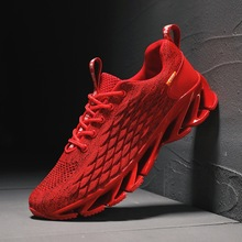 2020 spring and summer new flying woven mens shoes sports running
