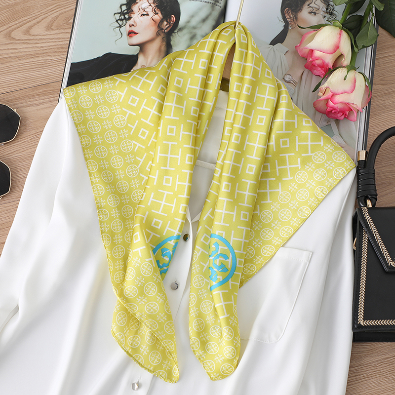 Lady Hair Scarf Print Silk Square Scarfs Fashion Women Bandana Accessories Shawl And Wraps Designer Head Neckerchief Summer New