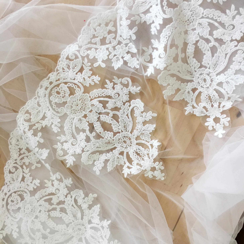 White veil trim