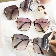 2020 new fashion ladies sunglasses UV400 square metal alloy frame bee m