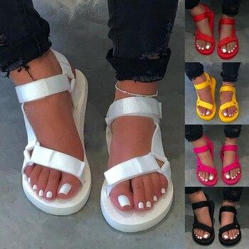 Женские уличные пляжные тапочки, новинка 2020 года, женские весенне-летние новые мягкие нескользящие сандалии, прочные сандалии на вспененно...