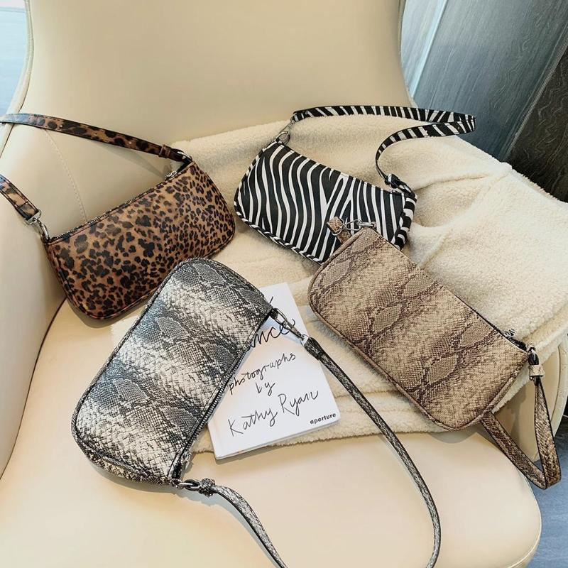 2019 New Fashion Crocodile Pattern Shoulder Women Bag Hand Bag Personality Wild Fashion Pu Leather Baguette Shape Handbag
