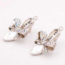 2pcs Silver Tone Handmade Rhinestone Charm Dream crystal shoes Pendant DIY Necklace Earrings Jewelry Accessories For Woman P68 2016 10pcs zinc alloy plating silver nautical compass charm pendant necklace diy fashion jewelry accessories for woman