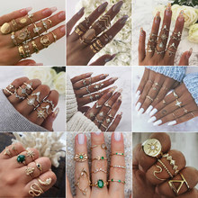 25 stijlen Bohemian Gold Crown Moon Star Snake Cross Water Druppels Kristallen Ring Set Vrouwen Charm Joint Ring Party Bruiloft sieraden(China)