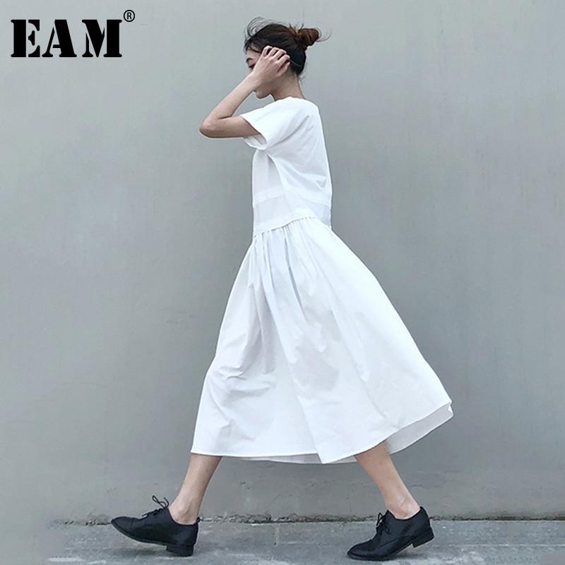 [EAM] Women Brief Pleated Split Temperament Dress New Round Neck Short Sleeve Loose Fit Fashion Tide Spring Autumn 2020 1N647