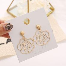 Полые металлические висячие серьги в форме цветка для женщин