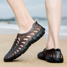 2020 summer men's shoes lightweight casual beach water shoes