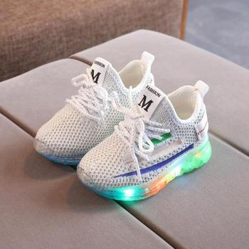 LED Children Sport Shoes Luminous Fashion Breathable Kids Boys Net Shoes Girls Anti-Slippery Sneakers With Light Running Shoes maultby men s saga td badminton shoes training breathable anti slippery light sport badminton shoes