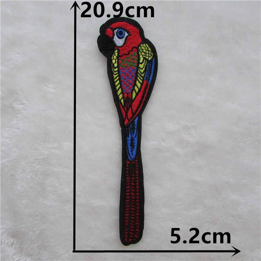 Gran oferta de parches de hierro para pájaros DIY dibujos animados pájaro carpintero loro parche bordado para chaqueta Jeans insignias sombrero accesorios para teléfono
