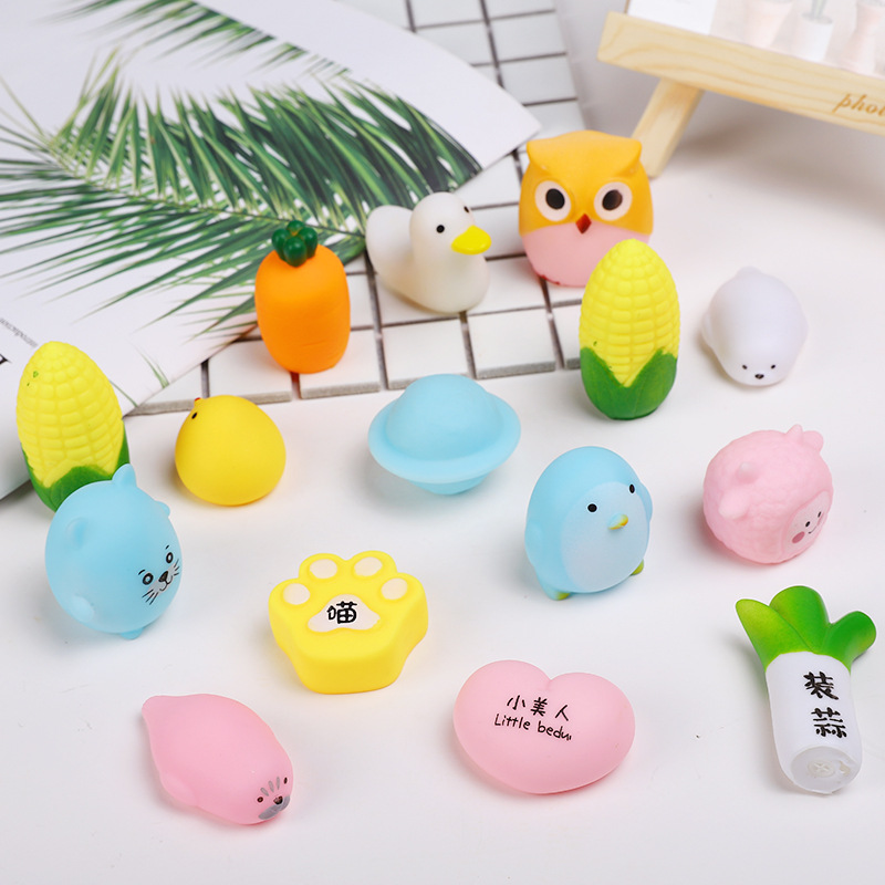 Cute Pink Pinch Squeezing Vocal Toy Decompression Skuishy Animales Fruit Plant Squishy Squichy Slow Rise Toy