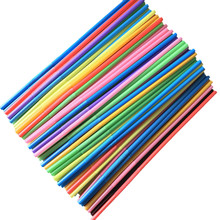 100 sztuk elastyczne Bendy Party Home jednorazowe plastikowa słomka Bar słomki różne kolory jednorazowe słomki Multicolor słomy tanie tanio CN (pochodzenie) Z tworzywa sztucznego