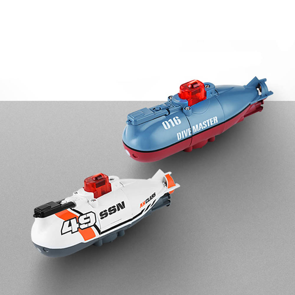 Mini RC Submarine Electric Speed Boat Toy Dive Master Model for Children Remote Control Pigboat Simulation Model Gift Toy Kids