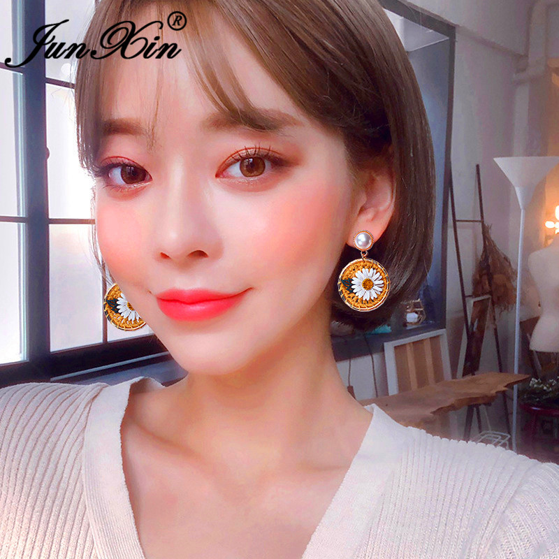 Boho Big Round Cute Daisy Earrings White/Yellow Wool Woven Flower Drop Earrings For Women Bead Pearl Earring Girl Party Jewelry