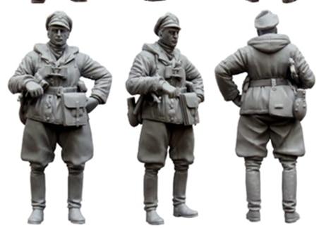 1:35 World War II German Officer In Winter