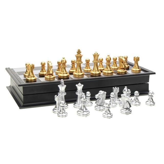Jeu d'échecs de voyage magnétique or/argent pliant de 25x25cm pour des enfants ou des adultes 3