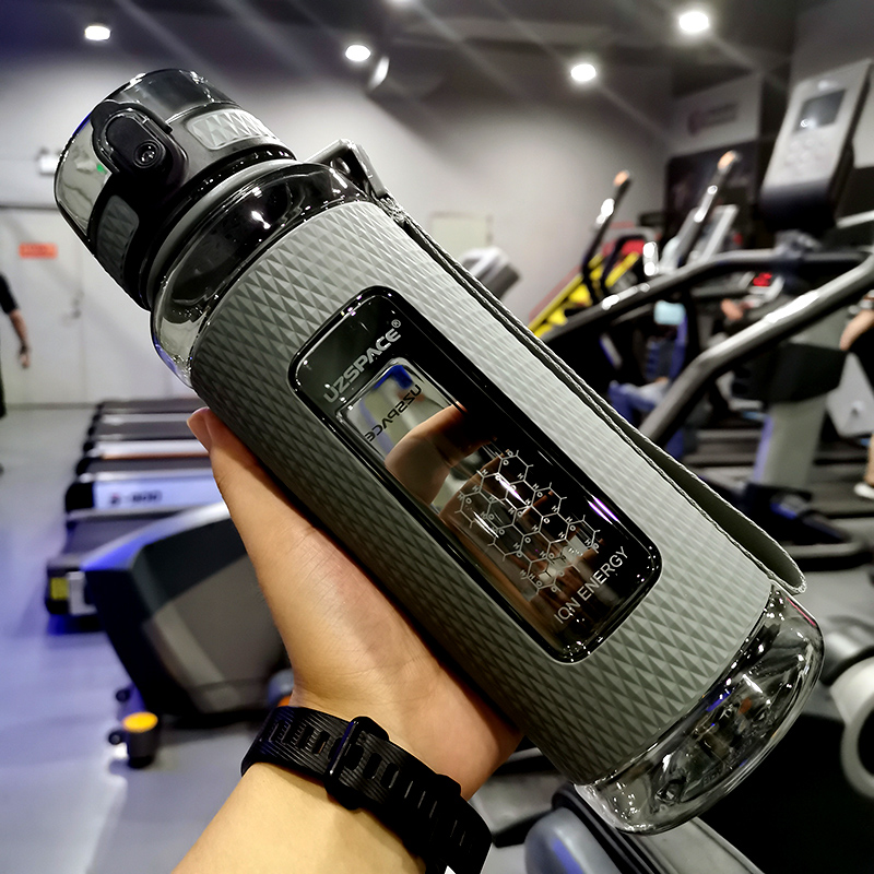 Uzspace esporte garrafas de água ginásio portátil anti-queda à prova de vazamento de grande capacidade chaleira de fitness tritan garrafa de bebida de plástico bpa livre
