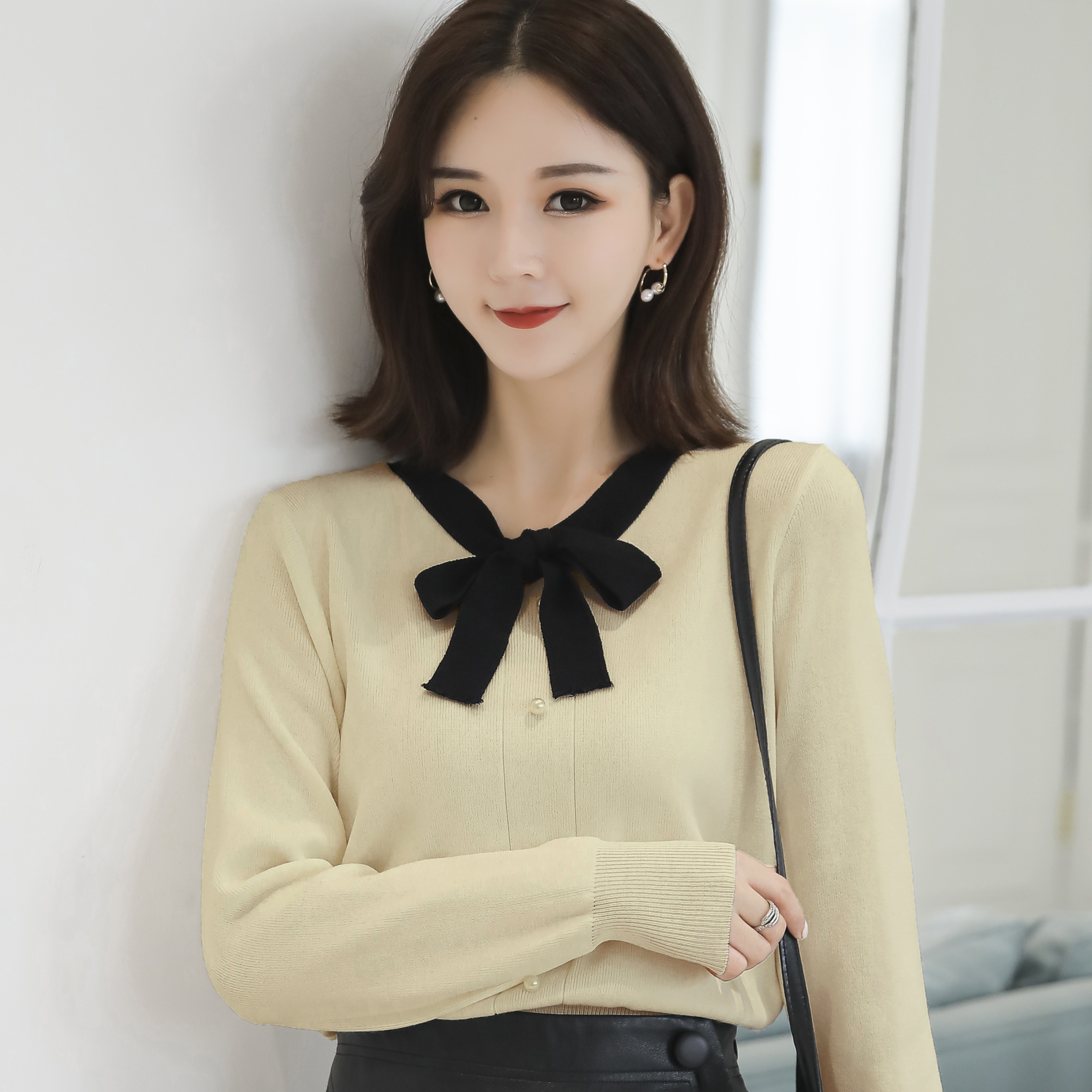 Women 39 s Tops Knitted Korean Version Bow Collar Long Sleeve Casual Shirts Winter 2019 Autumn Temperament Knitted Sweater 11G in Pullovers from Women 39 s Clothing
