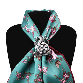Hot Fashion Women Retro Frog Diamond Pearl Shawl Ring Clip Scarves Scarf Buckle Brooch Wedding Jewelry Female Classic Gift