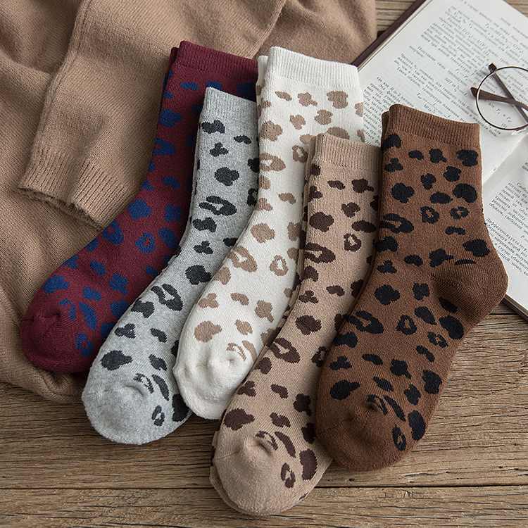 Spotted Leopard Print Women Socks Cotton Terry Tube Thickened Warm Socks Cotton Korean Japanese Style Eur35-40 238