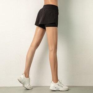 Image 4 - Luoenbo shorts de ginástica dupla, bermuda de academia respirável com bolso lateral, secagem rápida, yoga, mulheres, roupa esportiva 2020